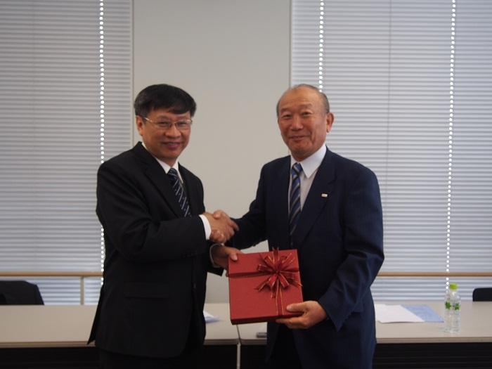 フォン団長と中垣日越文化経済委員化委委員長