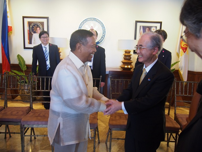 ビナイ・フィリピン副大統領と山口団長