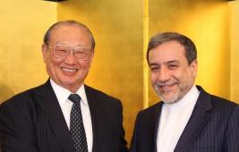 セイエド・アッバース・アラグチ イラン・イスラム共和国外務省事務次官(右)