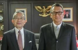 アリフィン・タスリフ駐日インドネシア共和国大使(右)