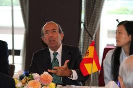 ゴンサロ・デ・ベニート駐日スペイン大使