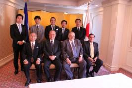 前列右からサウル・アラナ・カステジョン大使、ポール・オキスト大臣、松澤理事長、湯下専務理事