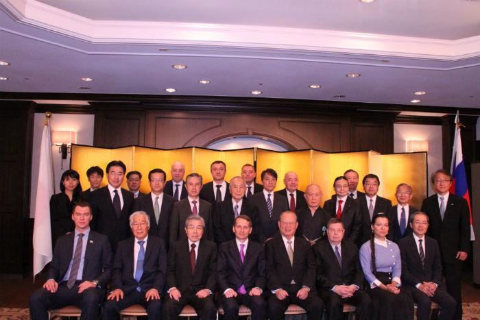 ナルイシキン・ロシア国家院議長(前列左から4番目)