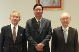 山口団長、トゥレイン・タン・ズィン駐日ミャンマー大使、湯下訪問団顧問(右から)