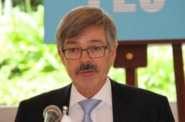 ハンス・カール・フライヘア・フォン・ヴェアテルン駐日ドイツ連邦共和国大使