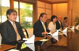 フレルバータル駐日モンゴル大使(左から2人目)