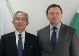 ボリスラフ・コストフ駐日ブルガリア共和国大使(右)