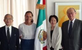 メルバ・プリーア駐日メキシコ大使 (左から2人目)