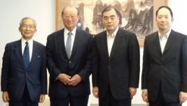 孔鉉佑駐日中華人民共和国大使( 右から2人目)