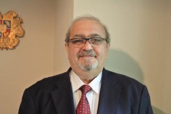 アルメニア大使003