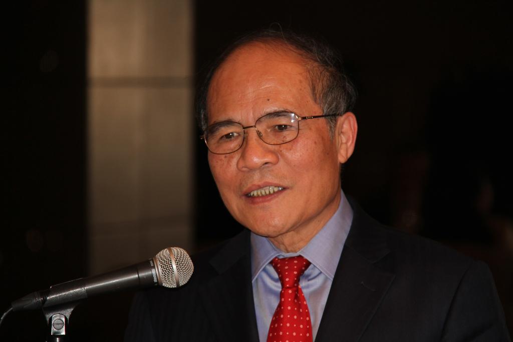 グェン・シン・フン国会議長