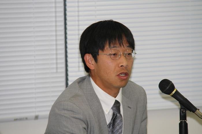 高岡豊中東調査会研究員