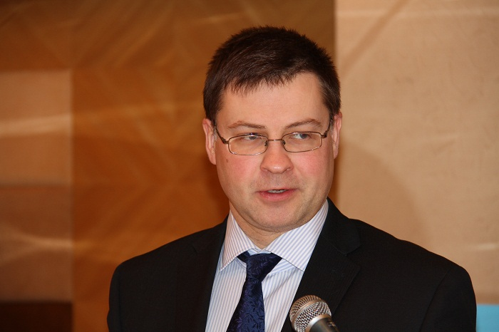 ドムブロフスキス・ラトビア首相
