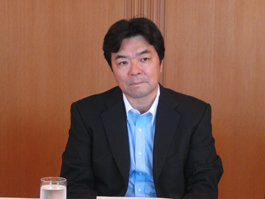 講演する高橋進(株)日本総合研究所副理事長