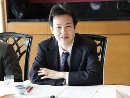 講演をする池内恵東京大学准教授
