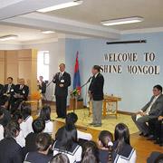日本式の授業を実施の新モンゴル高校を訪問