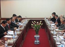 ドン計画投資副大臣との会談風景