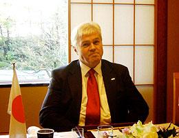 トーズル・アイギル・オスカーソン駐日アイスランド大使