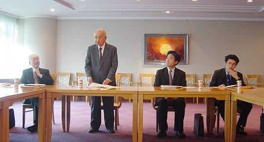 凸版印刷株式会社本社・小石川ビルにて。第6次インド調査団団長挨拶をされる藤田弘道凸版印刷会長