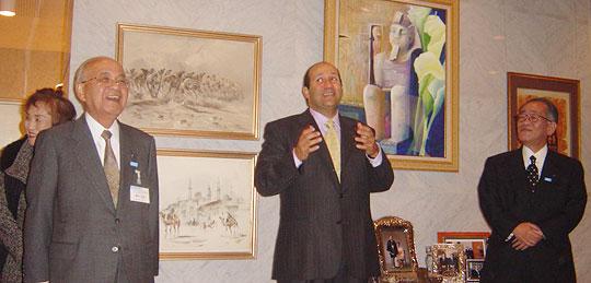東京全日空ホテルにて、バドル駐日エジプト大使の歓迎挨拶(中央)藤田弘道凸版印刷(株)会長(左)