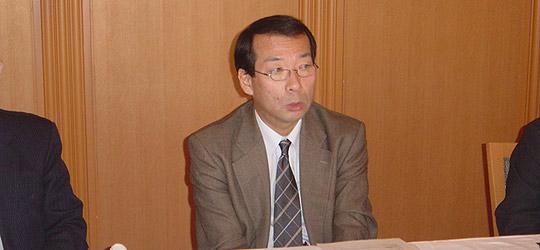 講演する奥田紀宏外務省中東アフリカ局長=ホテルオークラ本館