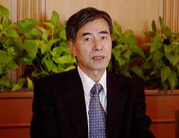 講演の十市勉日本エネルギー経済研究所専務理事