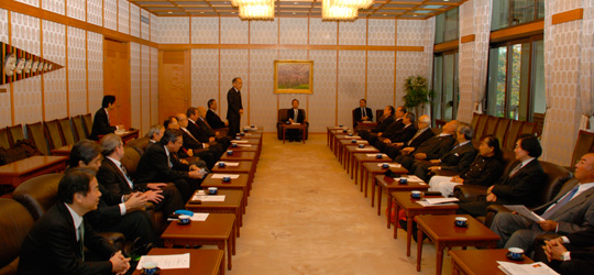 第一回FEC外交等国政問題懇談会開催風景(議長公邸の2階)