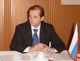 ロシア経済情勢と自社の戦略を説明のリパトフ同社長