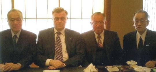 ヤクーニ・ロシア鉄道社長を囲み瀬在前日大総長、都甲元駐ロシア大使と埴岡副理事長
