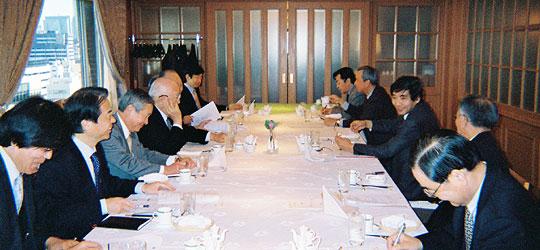 名越講師を囲んでの第95会FECロシア問題研究会・昼食会=ホテルオークラ東京