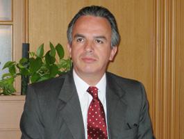 あいさつするルイス・カバーニャス駐日メキシコ大使