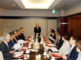 第125回FEC国際問題懇談会であいさつの埴岡FEC理事長