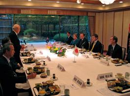 NZ副首相・財務大臣を招いての第127回FEC国際問題懇談会にて主催者あいさつの内藤明人FEC副会長
