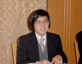 ベトナム経済の現状を説明のトラン教授