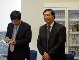 来賓としてあいさつのビン駐日ベトナム大使
