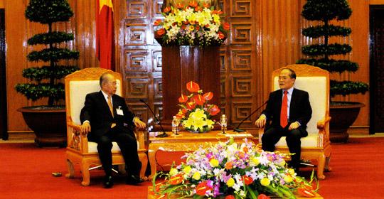 フン第一副首相との会談の岩下団長